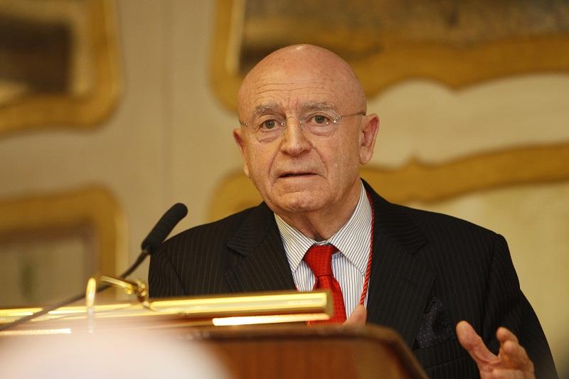 D. Abel Matutes Juan, Medalla de Oro del Colegio de Economistas a la Trayectoria Empresarial 2013